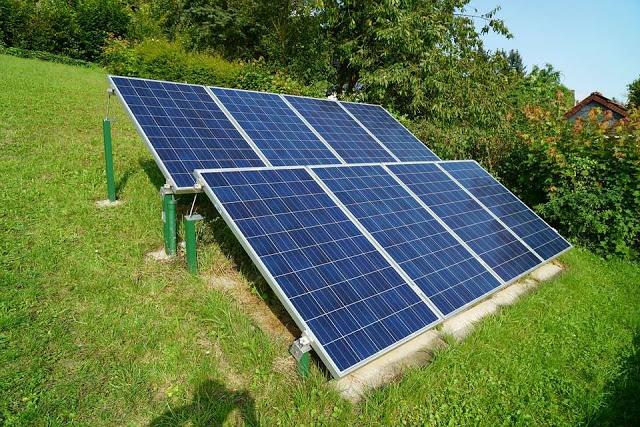 Tấm pin năng lượng mặt trời Poly chất lượng cao, giá rẻ