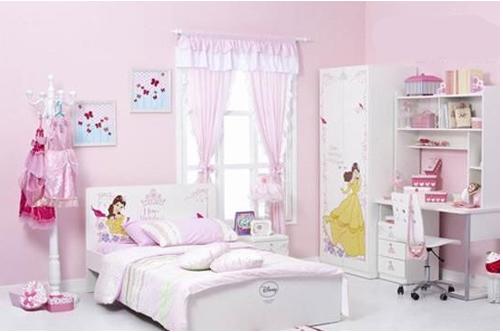 Trang trí phòng bé gái với tone màu trắng